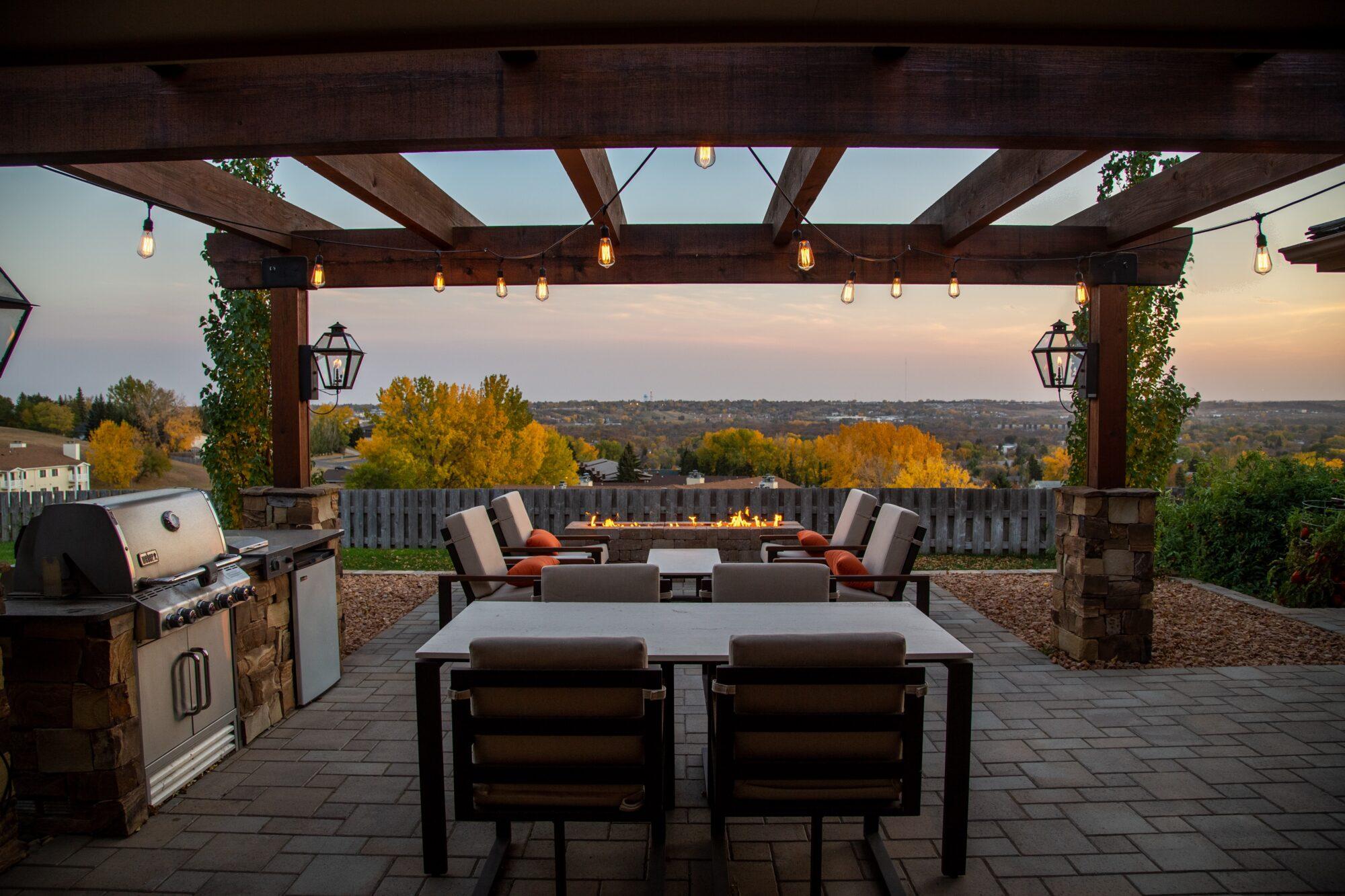 Udendørs møbler skaber hygge udenfor